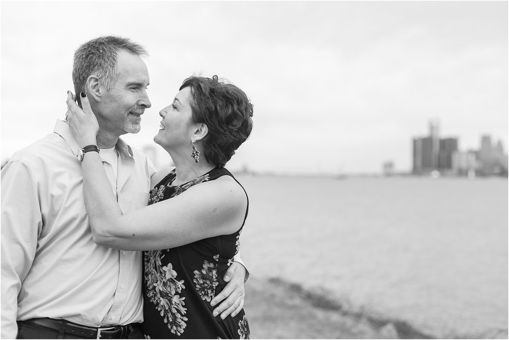 downtown-detroit-engagement-photos-on-belle-isle-by-courtney-carolyn-photography_0048.jpg