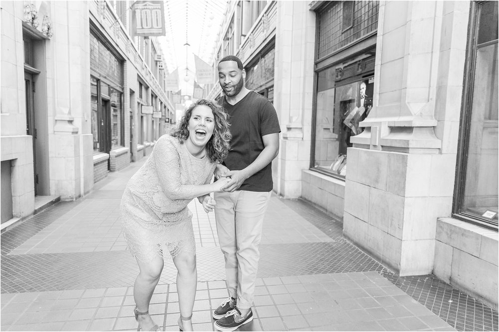 romantic-fun-university-of-michigan-engagement-photos-in-ann-arbor-mi-by-courtney-carolyn-photography_0007.jpg