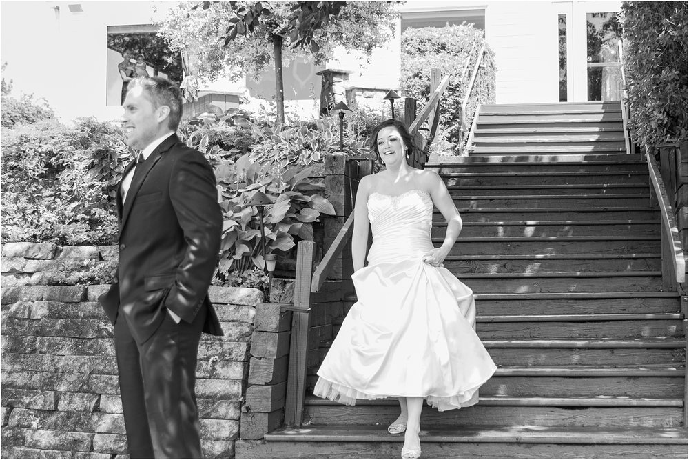 classic-wedding-photos-at-great-oaks-country-club-in-rochester-hills-mi-by-courtney-carolyn-photography_0028.jpg