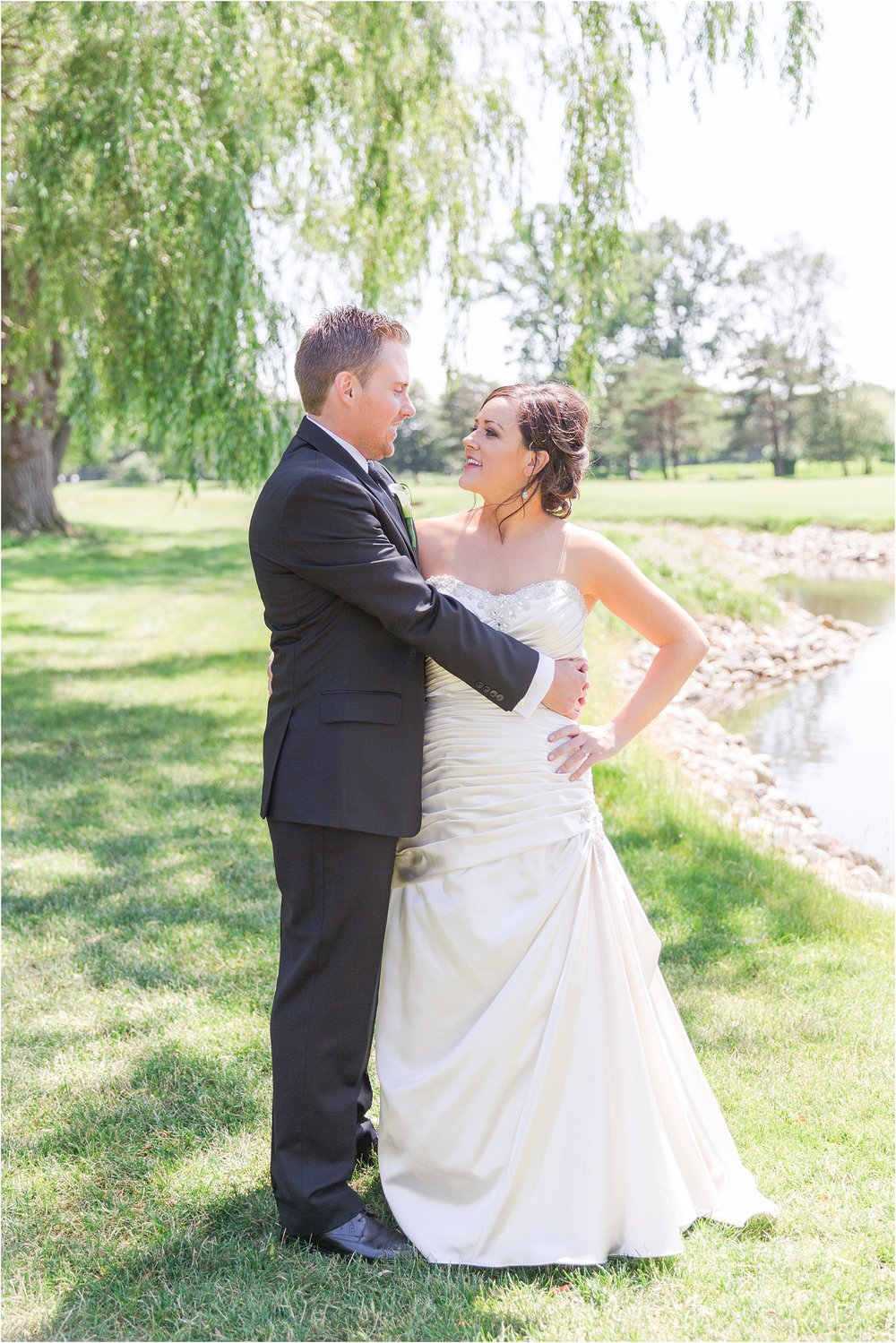 classic-wedding-photos-at-great-oaks-country-club-in-rochester-hills-mi-by-courtney-carolyn-photography_0034.jpg