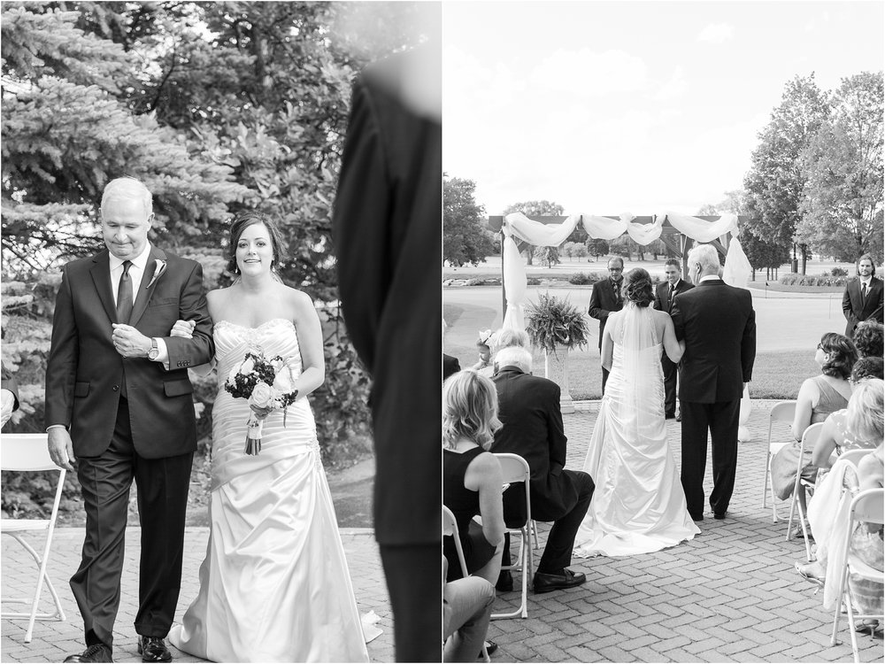 classic-wedding-photos-at-great-oaks-country-club-in-rochester-hills-mi-by-courtney-carolyn-photography_0068.jpg