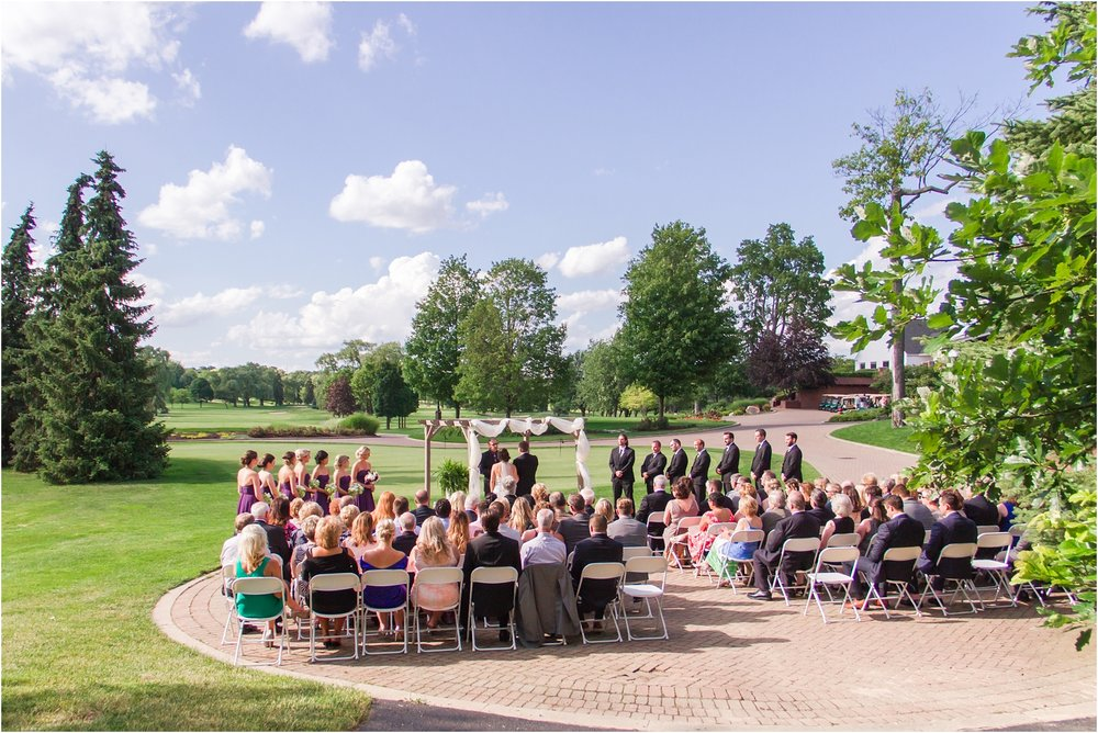 classic-wedding-photos-at-great-oaks-country-club-in-rochester-hills-mi-by-courtney-carolyn-photography_0073.jpg