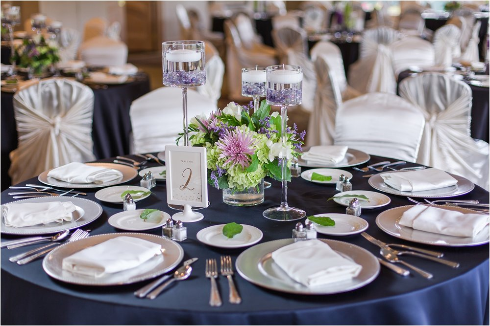classic-wedding-photos-at-great-oaks-country-club-in-rochester-hills-mi-by-courtney-carolyn-photography_0096.jpg
