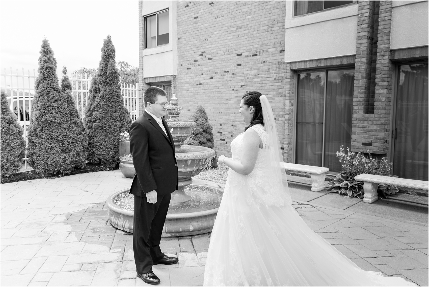 Modern Kensington Court Wedding, Ann Arbor, MI: Jen + Kyle ...