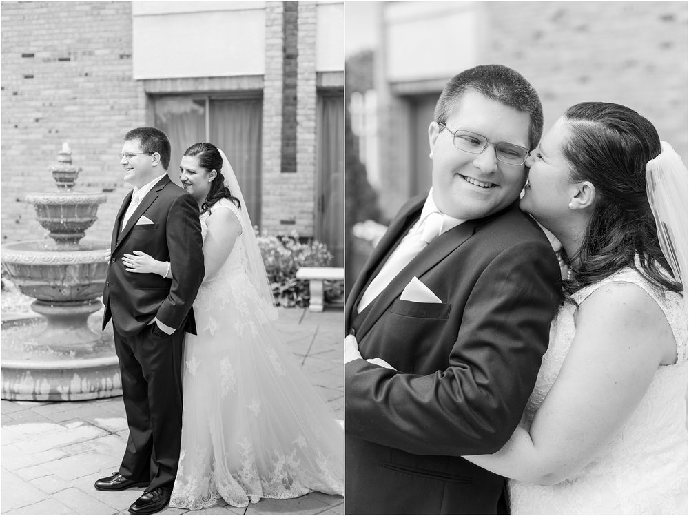modern-and-elegant-wedding-photos-at-kensington-court-in-ann-arbor-mi-by-courtney-carolyn-photography_0044.jpg