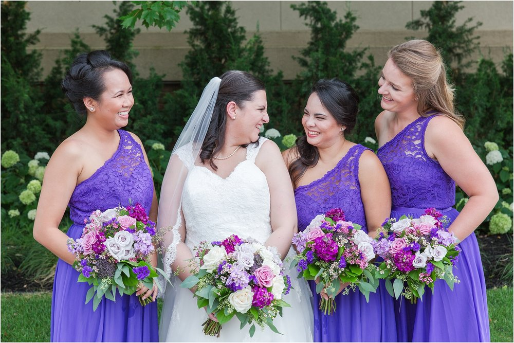 modern-and-elegant-wedding-photos-at-kensington-court-in-ann-arbor-mi-by-courtney-carolyn-photography_0059.jpg