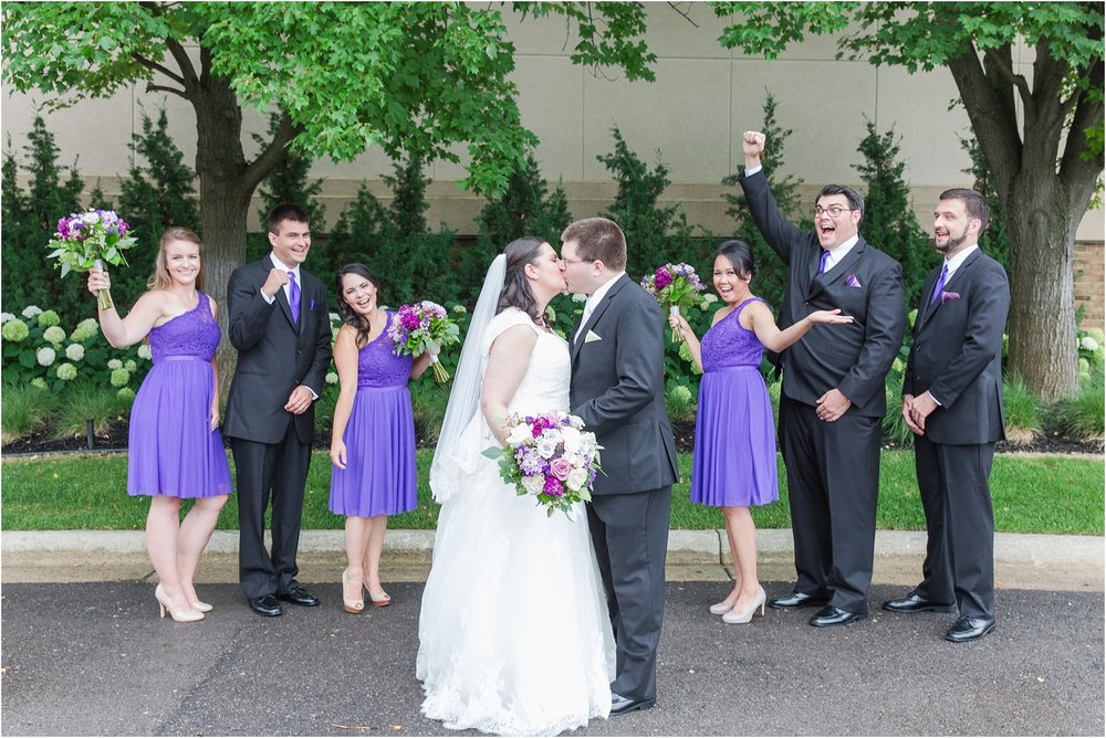 modern-and-elegant-wedding-photos-at-kensington-court-in-ann-arbor-mi-by-courtney-carolyn-photography_0074.jpg