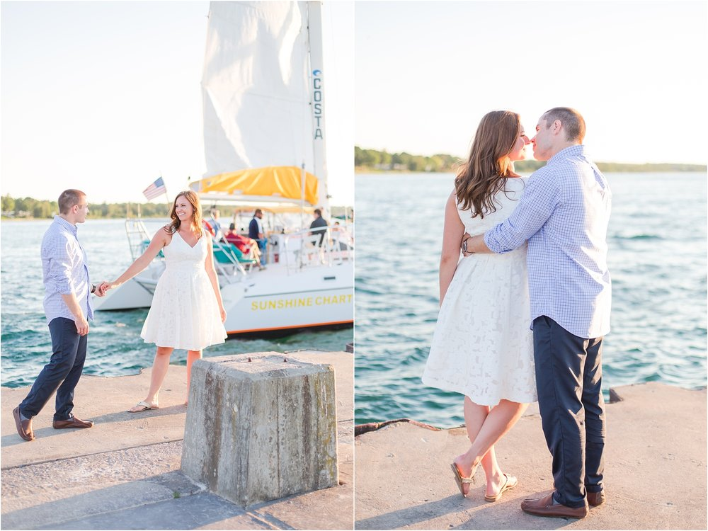 romantic-sunset-engagement-photos-at-the-lighthouse-in-charlevoix-mi-by-courtney-carolyn-photography_0006.jpg