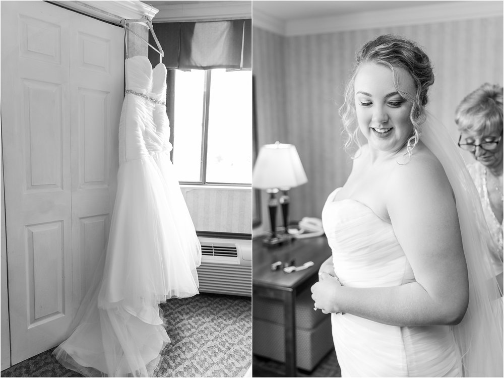 joyful-and-candid-navy-blush-wedding-photos-at-crystal-gardens-in-howell-mi-by-courtney-carolyn-photography_0017.jpg