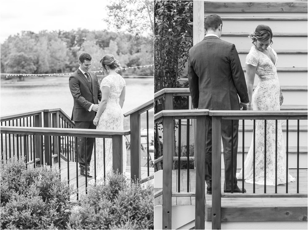 romantic-intimate-backyard-wedding-photos-at-private-estate-in-ann-arbor-mi-by-courtney-carolyn-photography_0028.jpg
