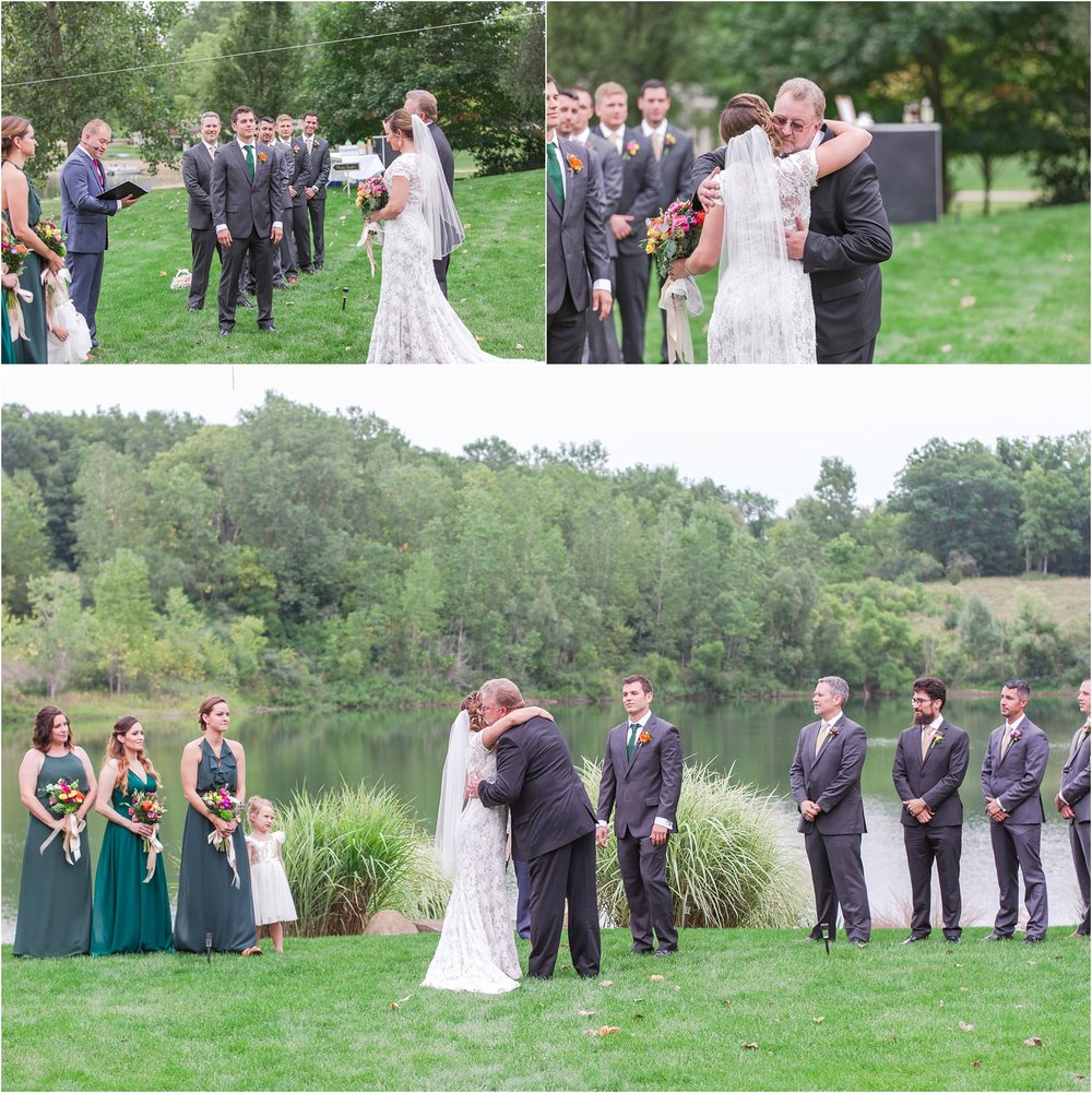 romantic-intimate-backyard-wedding-photos-at-private-estate-in-ann-arbor-mi-by-courtney-carolyn-photography_0091.jpg