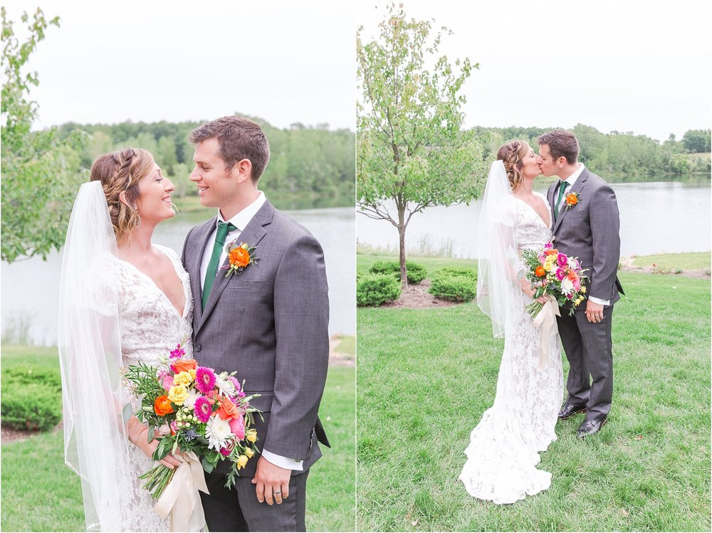 romantic-intimate-backyard-wedding-photos-at-private-estate-in-ann-arbor-mi-by-courtney-carolyn-photography_0117.jpg