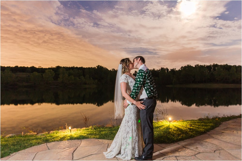 romantic-intimate-backyard-wedding-photos-at-private-estate-in-ann-arbor-mi-by-courtney-carolyn-photography_0152.jpg