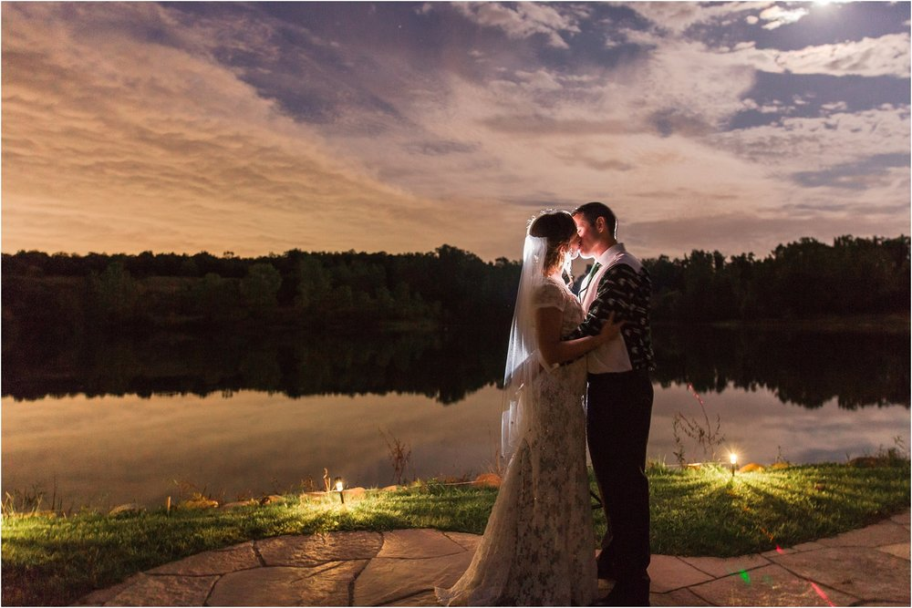 romantic-intimate-backyard-wedding-photos-at-private-estate-in-ann-arbor-mi-by-courtney-carolyn-photography_0155.jpg