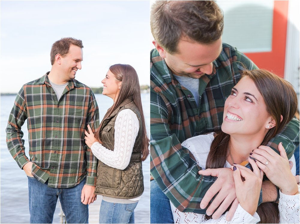 relaxed-autumn-engagement-photos-at-hudson-mills-metropark-in-dexter-mi-by-courtney-carolyn-photography_0002.jpg