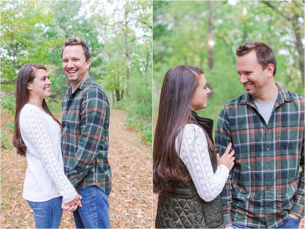 relaxed-autumn-engagement-photos-at-hudson-mills-metropark-in-dexter-mi-by-courtney-carolyn-photography_0006.jpg