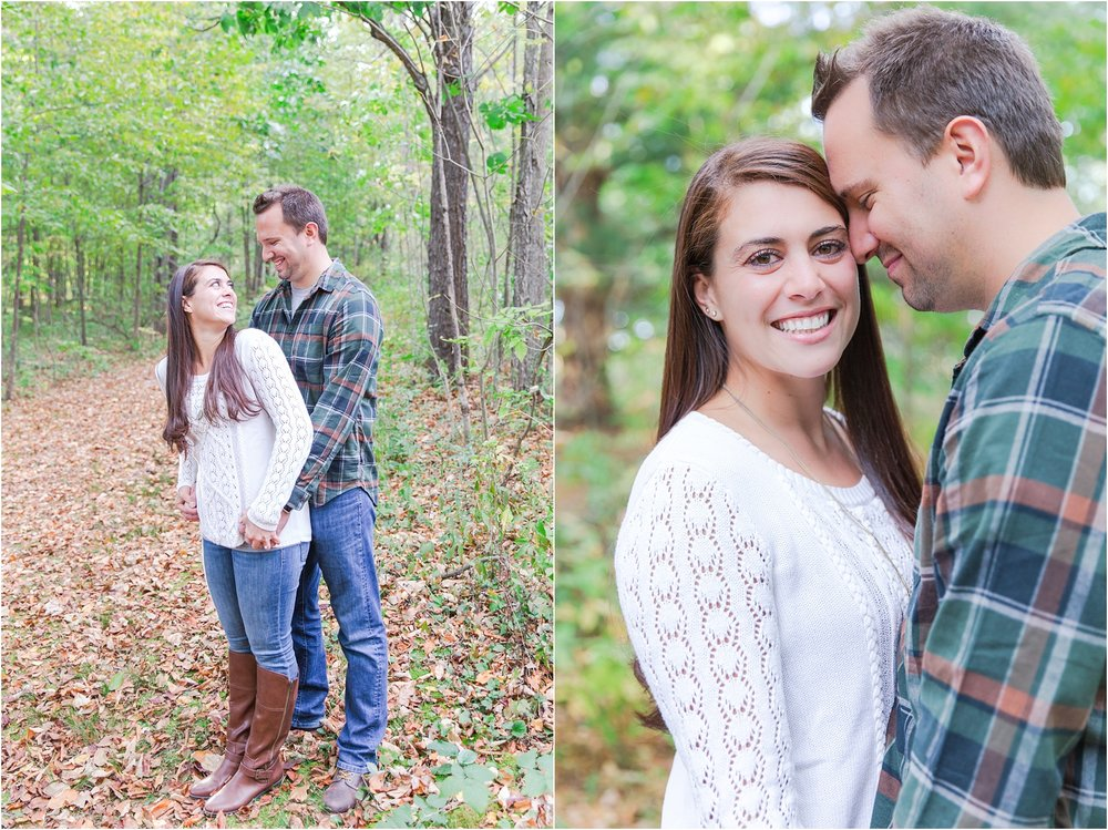 relaxed-autumn-engagement-photos-at-hudson-mills-metropark-in-dexter-mi-by-courtney-carolyn-photography_0010.jpg