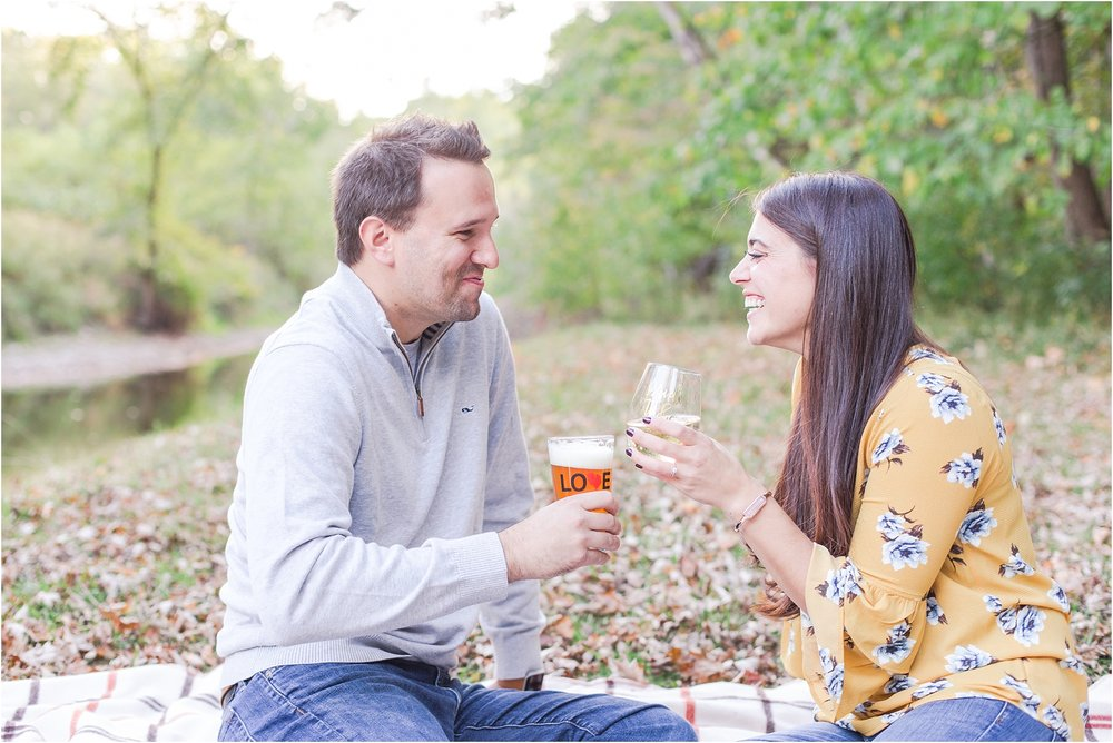 relaxed-autumn-engagement-photos-at-hudson-mills-metropark-in-dexter-mi-by-courtney-carolyn-photography_0021.jpg