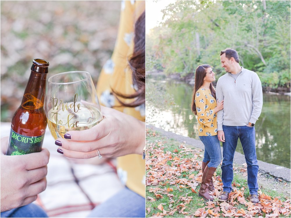 relaxed-autumn-engagement-photos-at-hudson-mills-metropark-in-dexter-mi-by-courtney-carolyn-photography_0022.jpg