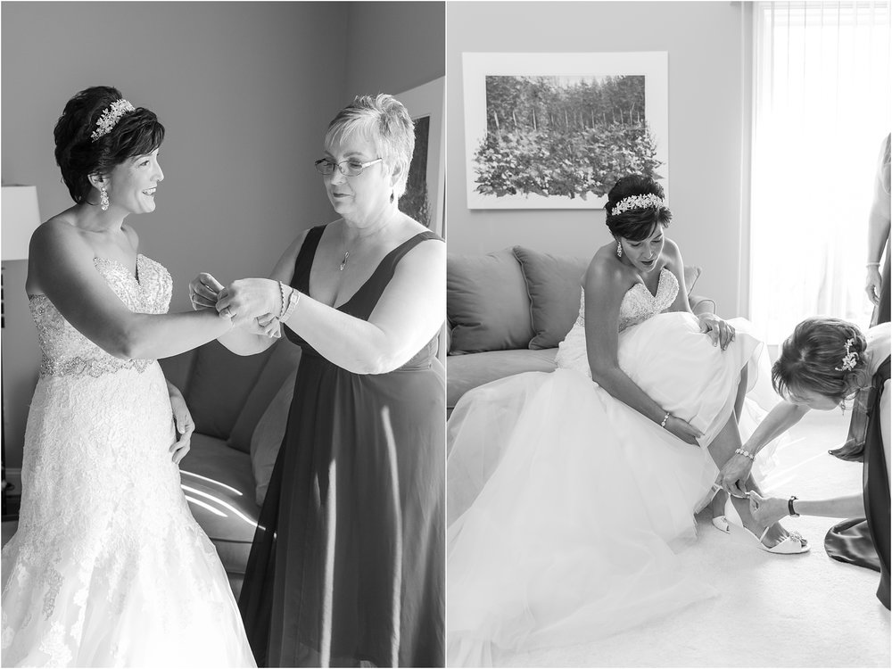 classic-natuical-inspired-wedding-photos-on-infinity-ovation-yacht-in-st-clair-shores-mi-by-courtney-carolyn-photography_0011.jpg