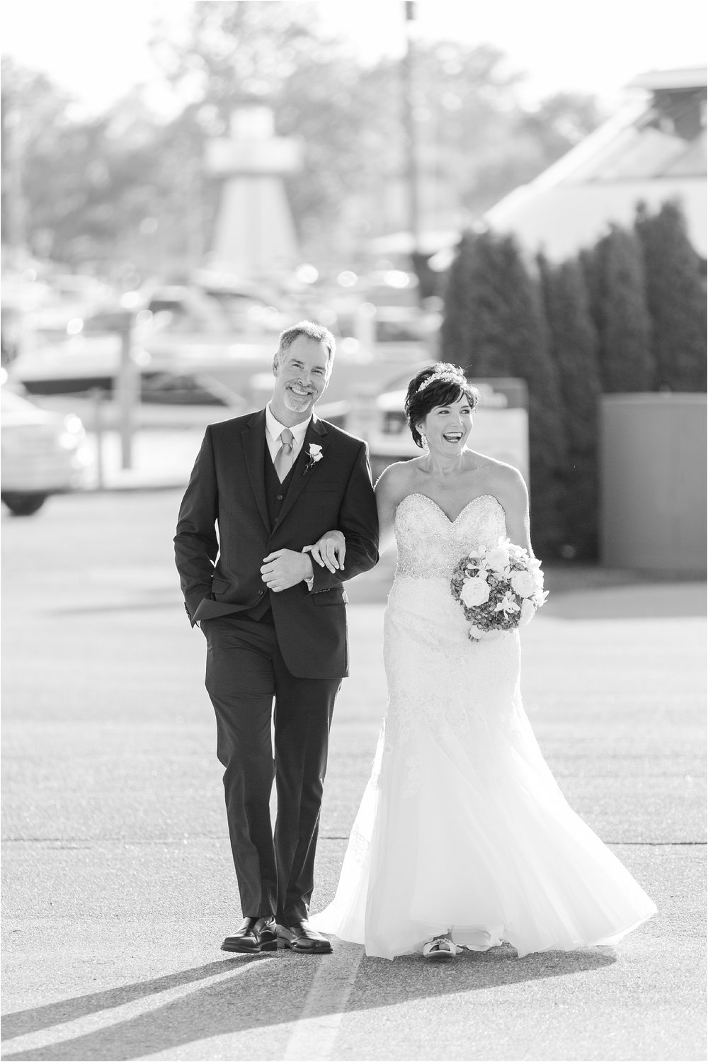 classic-natuical-inspired-wedding-photos-on-infinity-ovation-yacht-in-st-clair-shores-mi-by-courtney-carolyn-photography_0042.jpg