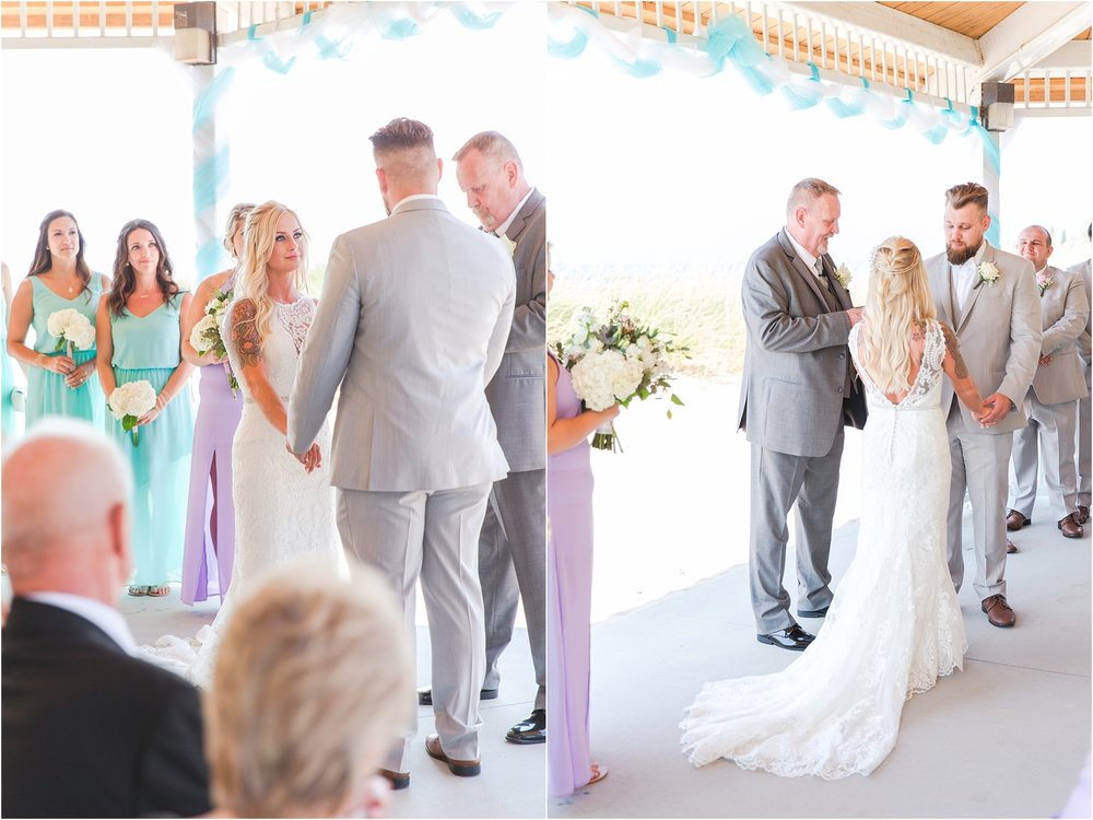 fun-whimsical-beach-wedding-photos-in-st-joseph-michigan-by-courtney-carolyn-photography_0068.jpg