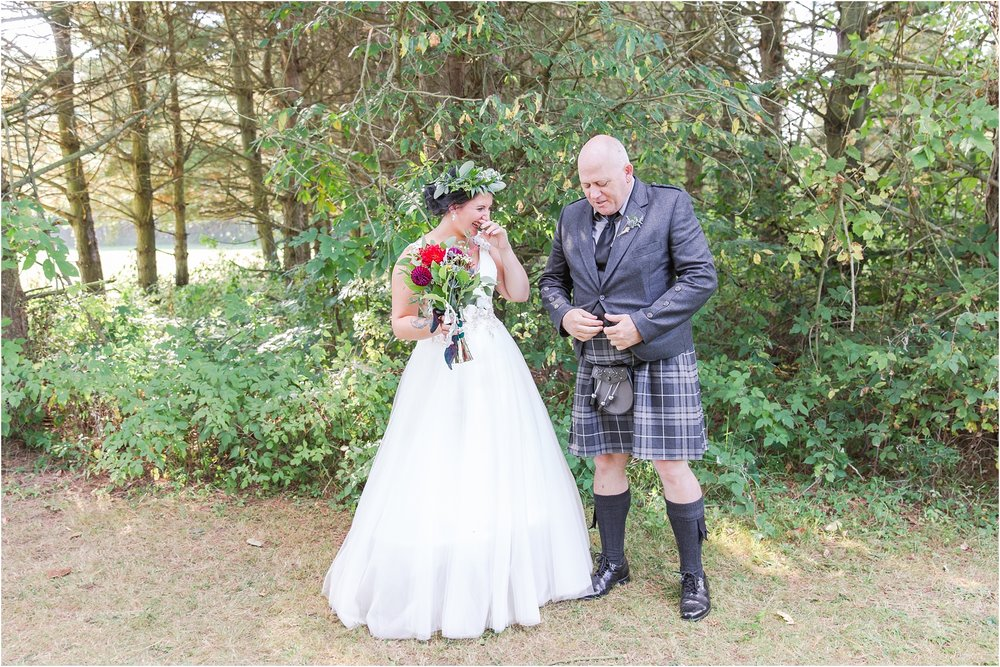scottish-inspired-wedding-photos-in-the-country-in-port-sanilac-michigan-by-courtney-carolyn-photography_0016.jpg