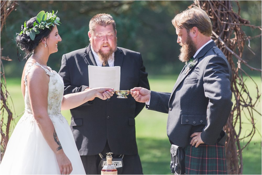 scottish-inspired-wedding-photos-in-the-country-in-port-sanilac-michigan-by-courtney-carolyn-photography_0026.jpg