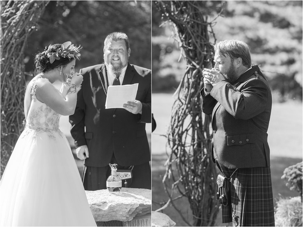 scottish-inspired-wedding-photos-in-the-country-in-port-sanilac-michigan-by-courtney-carolyn-photography_0029.jpg