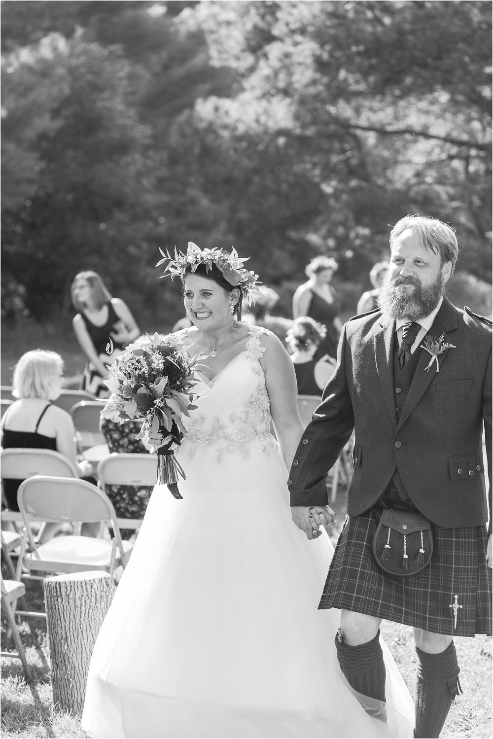 scottish-inspired-wedding-photos-in-the-country-in-port-sanilac-michigan-by-courtney-carolyn-photography_0033.jpg