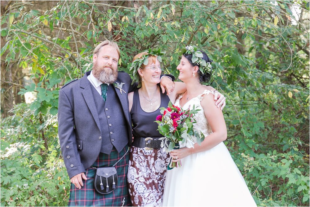 scottish-inspired-wedding-photos-in-the-country-in-port-sanilac-michigan-by-courtney-carolyn-photography_0038.jpg