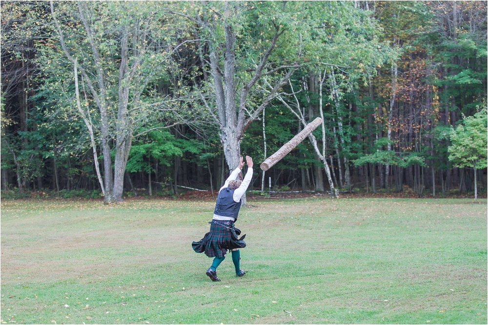 scottish-inspired-wedding-photos-in-the-country-in-port-sanilac-michigan-by-courtney-carolyn-photography_0063.jpg