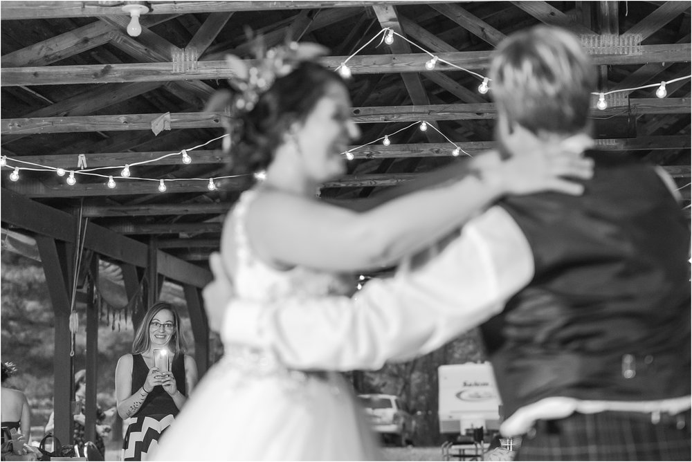 scottish-inspired-wedding-photos-in-the-country-in-port-sanilac-michigan-by-courtney-carolyn-photography_0065.jpg