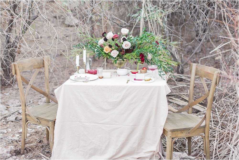 intimate-and-romantic-desert-wedding-photos-at-phoenix-marriott-tempe-at-the-buttes-in-tempe-arizona-by-courtney-carolyn-photography_0013.jpg