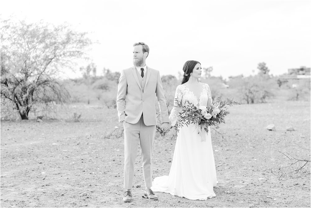 intimate-and-romantic-desert-wedding-photos-at-phoenix-marriott-tempe-at-the-buttes-in-tempe-arizona-by-courtney-carolyn-photography_0031.jpg
