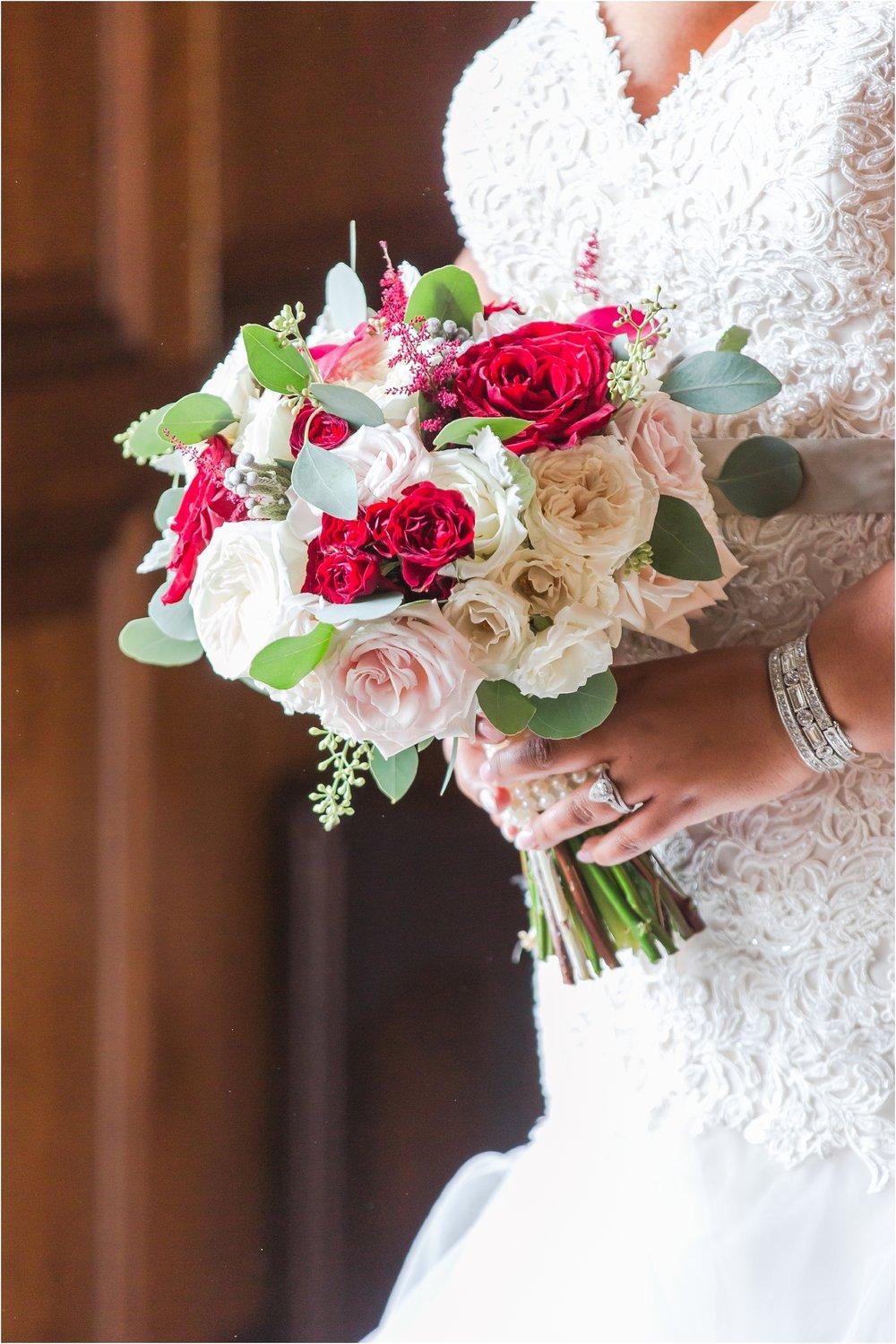 minimalist-and-modern-wedding-photos-at-30-north-saginaw-in-pontiac-michigan-by-courtney-carolyn-photography_0009.jpg