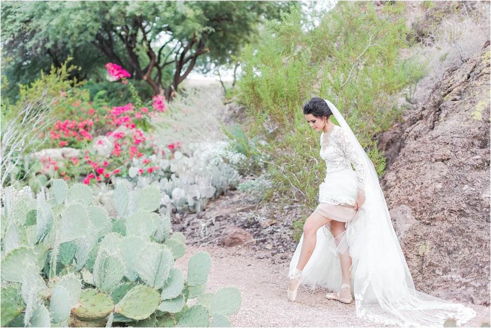 paris-and-ballerina-inspired-bride-wedding-photos-at-phoenix-marriott-tempe-at-the-buttes-in-tempe-arizona-by-courtney-carolyn-photography_0003.jpg