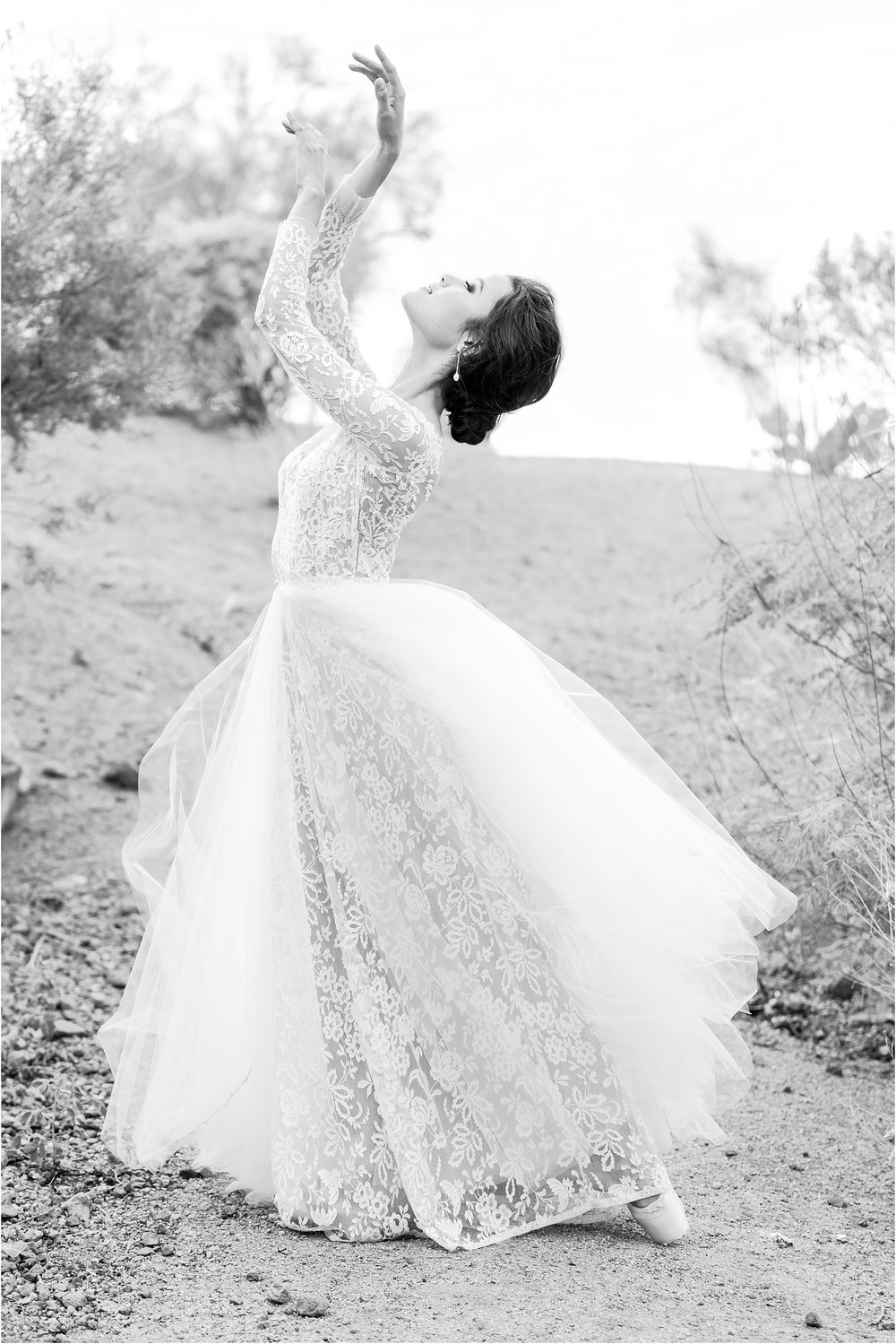 paris-and-ballerina-inspired-bride-wedding-photos-at-phoenix-marriott-tempe-at-the-buttes-in-tempe-arizona-by-courtney-carolyn-photography_0004.jpg