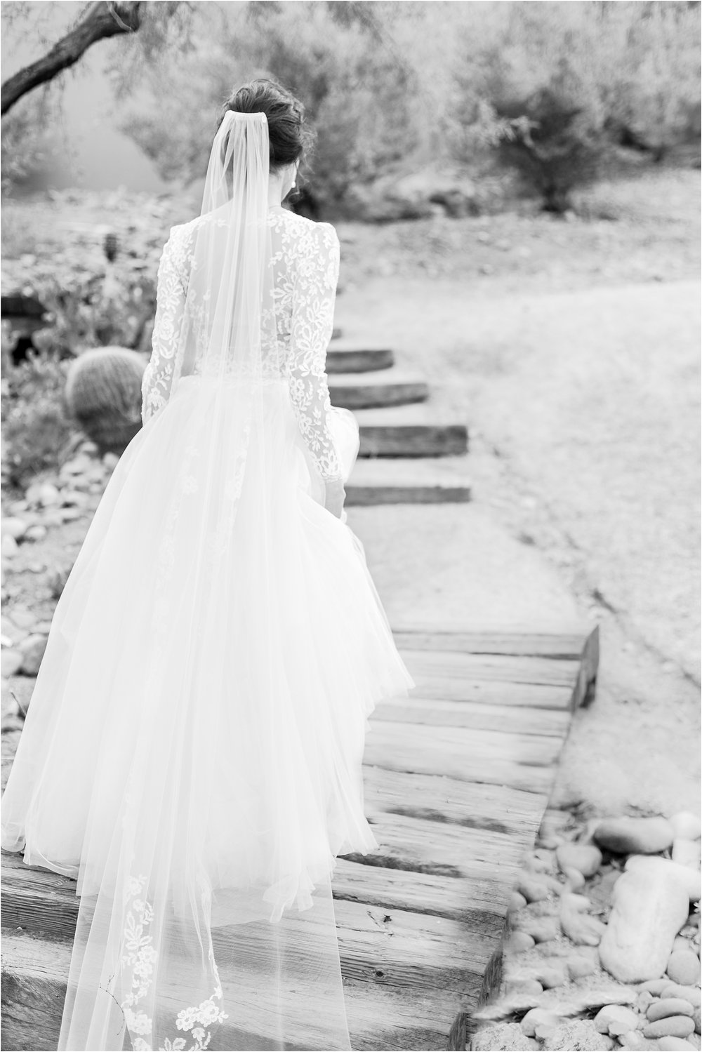 paris-and-ballerina-inspired-bride-wedding-photos-at-phoenix-marriott-tempe-at-the-buttes-in-tempe-arizona-by-courtney-carolyn-photography_0013.jpg