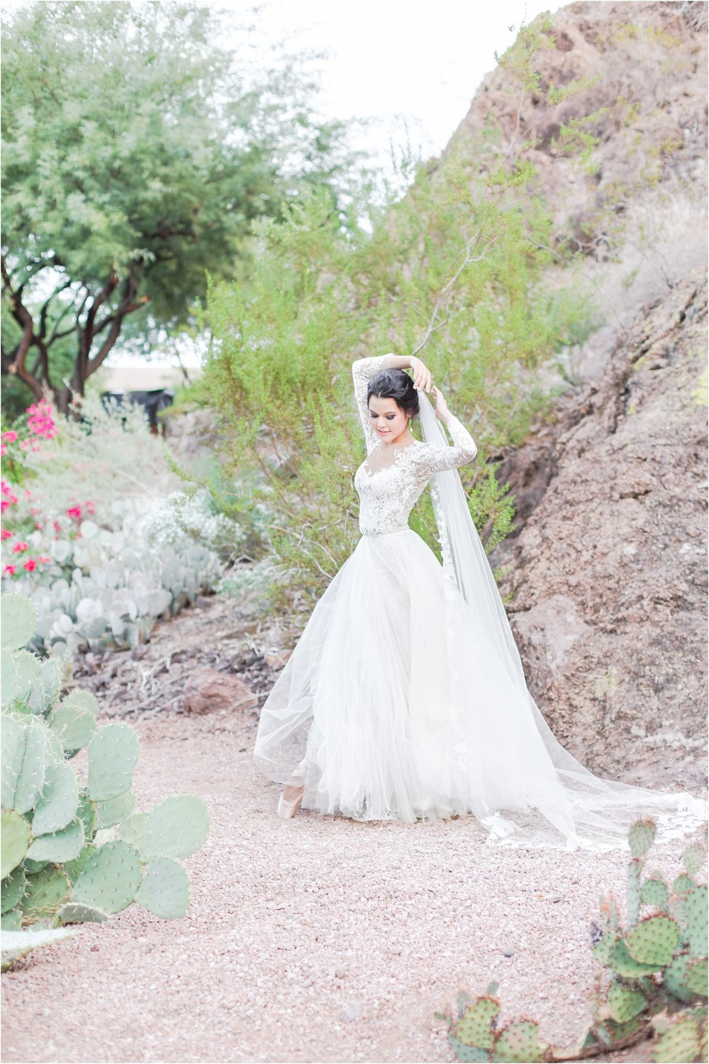 paris-and-ballerina-inspired-bride-wedding-photos-at-phoenix-marriott-tempe-at-the-buttes-in-tempe-arizona-by-courtney-carolyn-photography_0015.jpg
