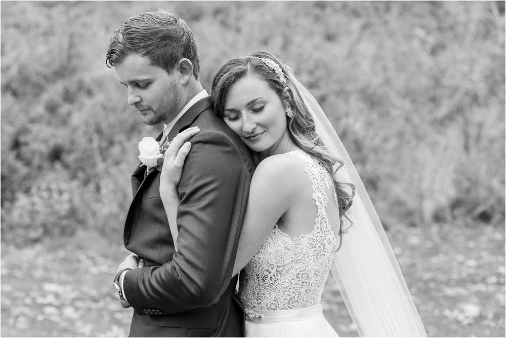emotional-candid-romantic-wedding-photos-in-detroit-chicago-northern-michigan-by-courtney-carolyn-photography_0001.jpg