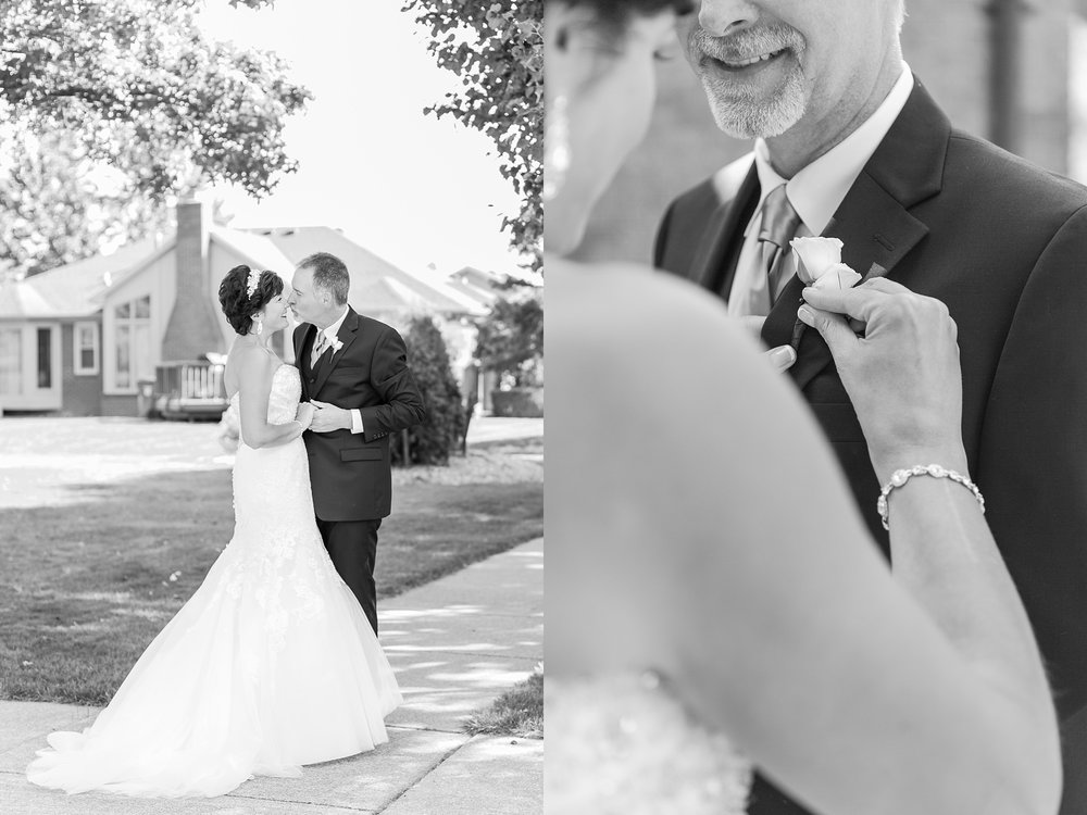 romantic-artful-candid-wedding-photos-in-detroit-lansing-ann-arbor-northern-michigan-and-chicago-by-courtney-carolyn-photography_0022.jpg