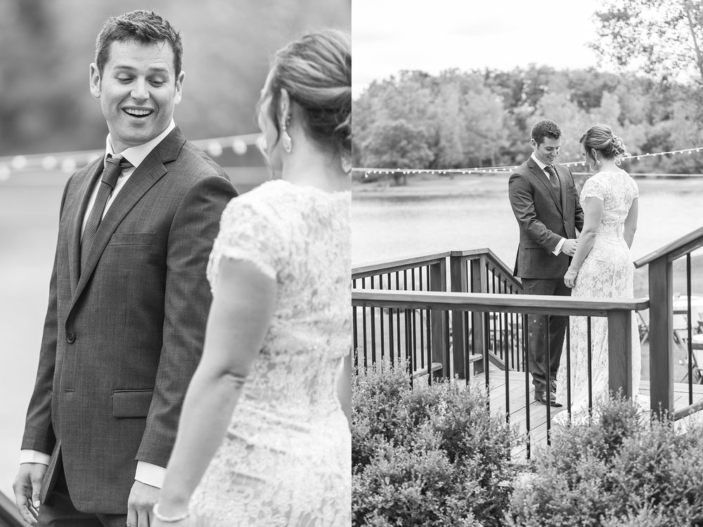 romantic-artful-candid-wedding-photos-in-detroit-lansing-ann-arbor-northern-michigan-and-chicago-by-courtney-carolyn-photography_0076.jpg