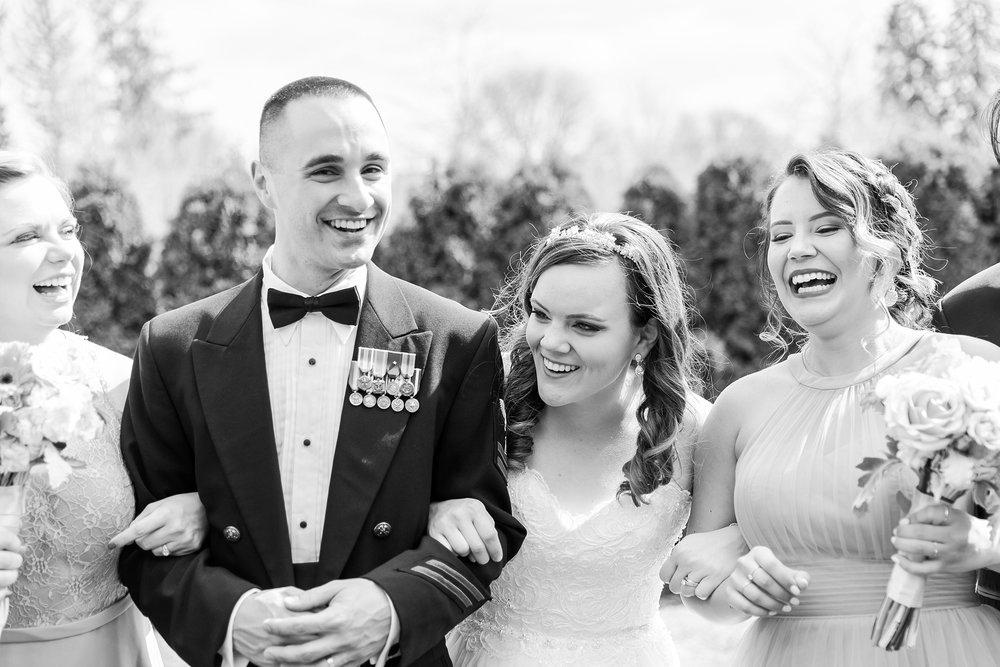 romantic-artful-candid-wedding-photos-in-st-clair-shores-at-the-white-house-wedding-chapel-by-courtney-carolyn-photography_0045.jpg