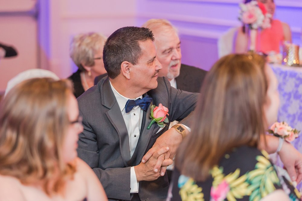 romantic-artful-candid-wedding-photos-in-st-clair-shores-at-the-white-house-wedding-chapel-by-courtney-carolyn-photography_0070.jpg