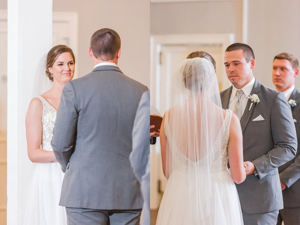 classic-intimate-fun-wedding-photos-at-the-meeting-house-grand-ballroom-in-plymouth-michigan-by-courtney-carolyn-photography_0029.jpg