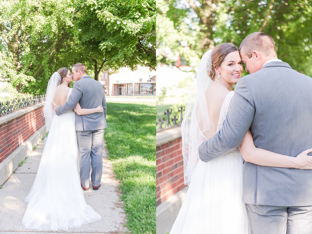 classic-intimate-fun-wedding-photos-at-the-meeting-house-grand-ballroom-in-plymouth-michigan-by-courtney-carolyn-photography_0045.jpg