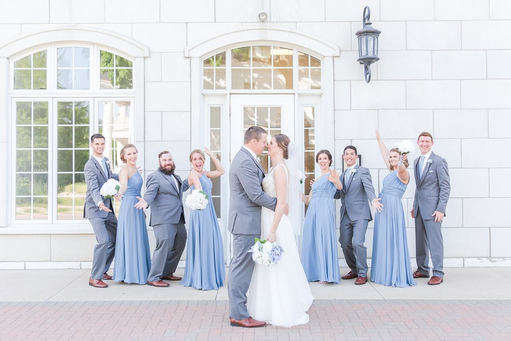 classic-intimate-fun-wedding-photos-at-the-meeting-house-grand-ballroom-in-plymouth-michigan-by-courtney-carolyn-photography_0054.jpg
