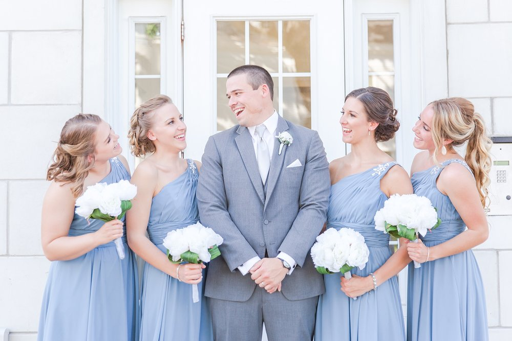classic-intimate-fun-wedding-photos-at-the-meeting-house-grand-ballroom-in-plymouth-michigan-by-courtney-carolyn-photography_0057.jpg