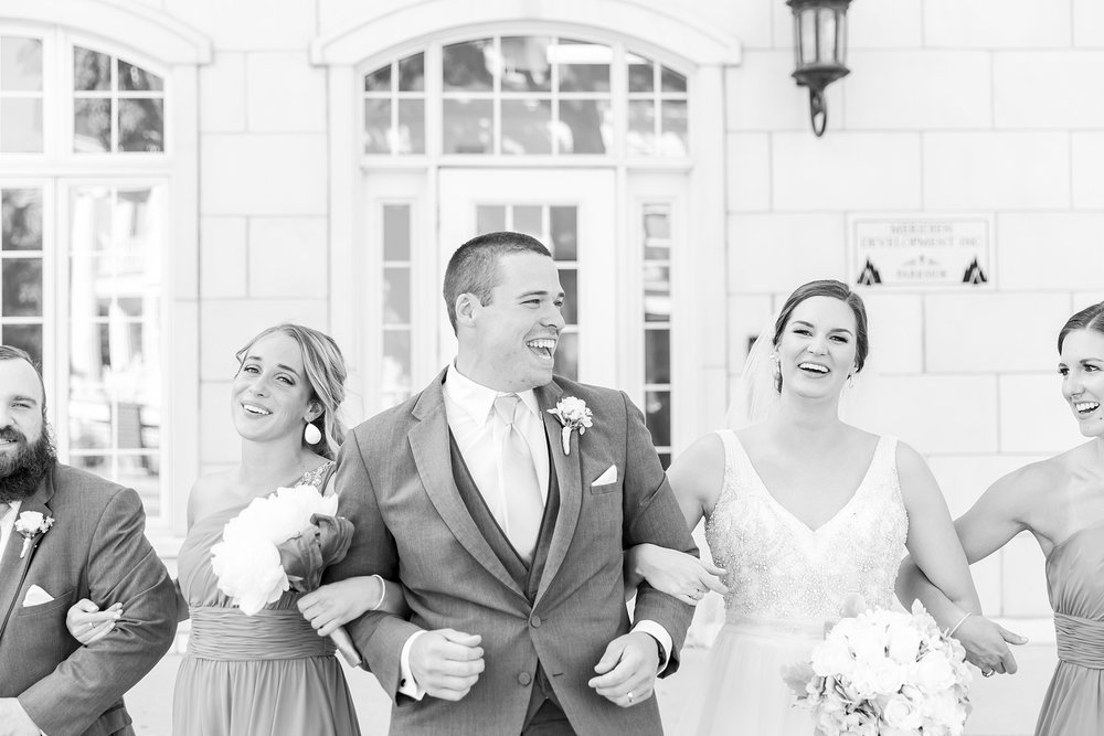 classic-intimate-fun-wedding-photos-at-the-meeting-house-grand-ballroom-in-plymouth-michigan-by-courtney-carolyn-photography_0059.jpg